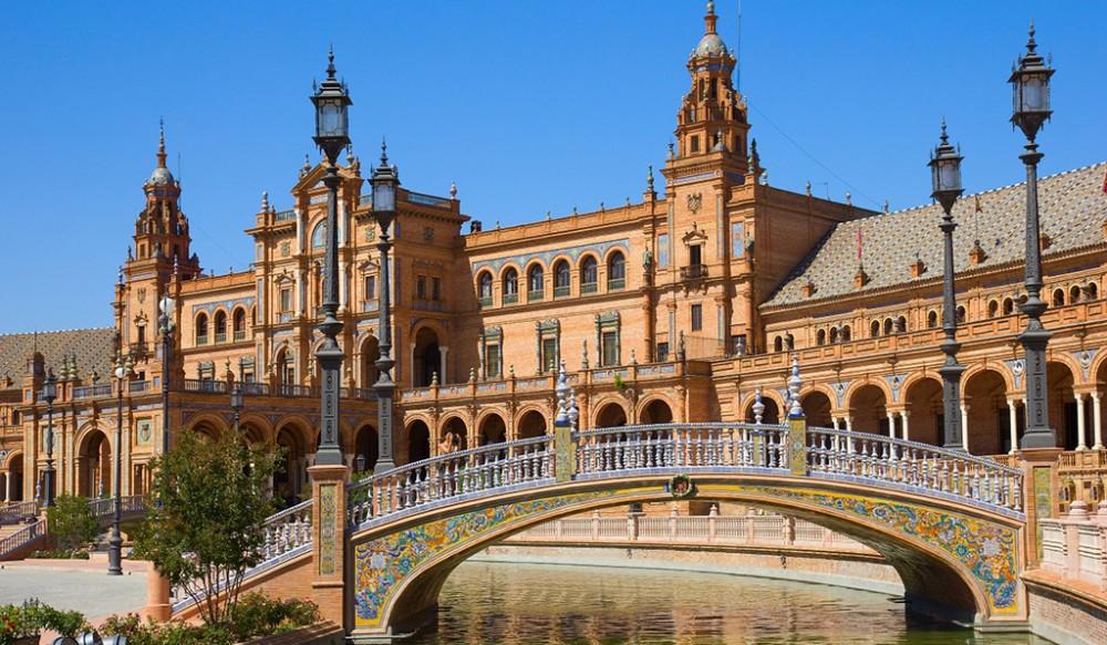 Plaza de España bridge view